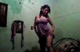Morena tetona videos xxx de hermanos se frota el coño jugoso