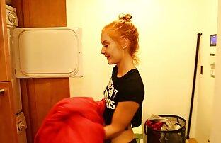 Más milfs se coje a su hermana en el baño con juggs